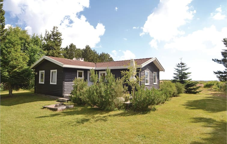 Holiday cottage with 3 bedrooms on 72m² in Hadsund