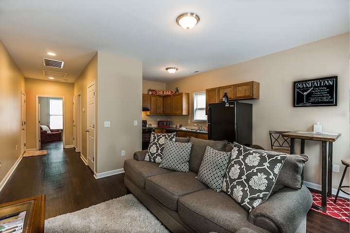 **New Downtown Apartment**