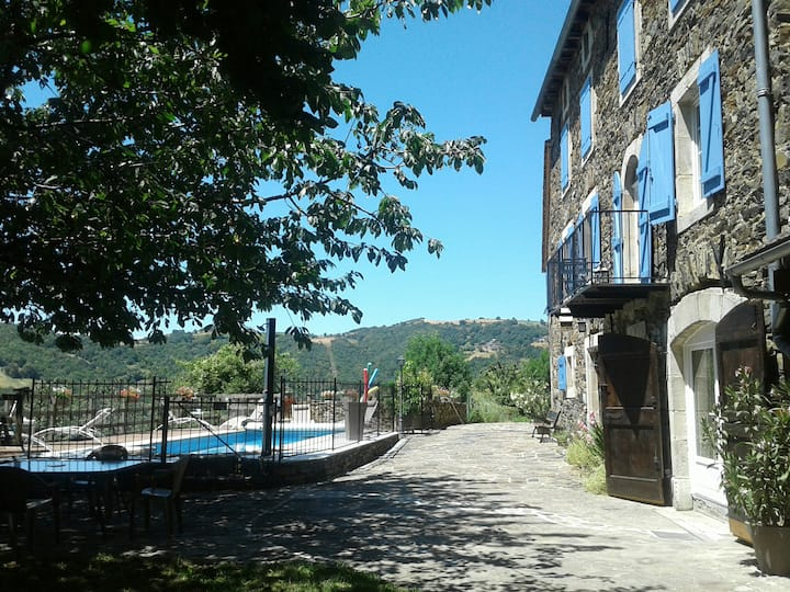 Le Rouvelet, fantastic view, swimming pool