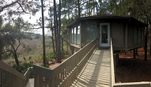 Peaceful Harbour Town Treehouse with Marsh Views