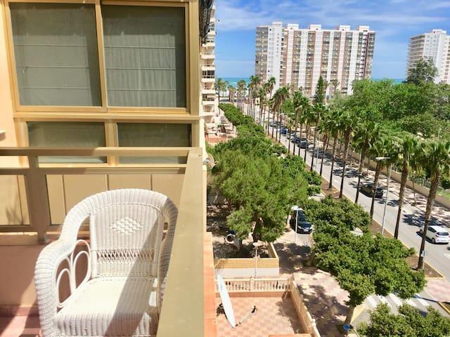 Apartamento en Cullera con Vistas al Mar y Garaje