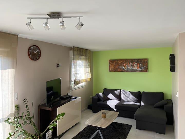 Charmant duplex avec terrasse et jardin