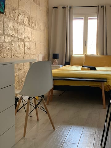Stylish room with Ensuite&Breakfast near Valletta
