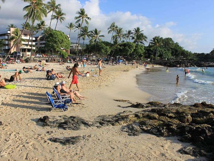 Kona 2BR/2BA White Sands Beach Pool/WIFI/AC/Hotub
