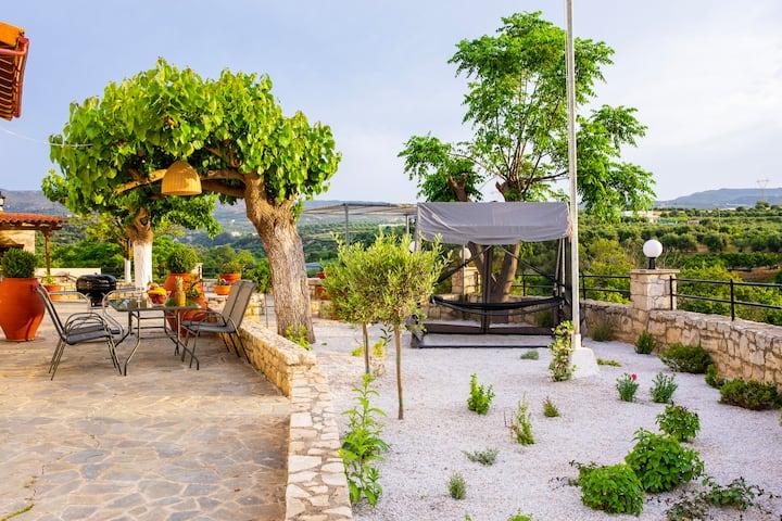 Aromato-kipos house for 4 persons, Asteri village