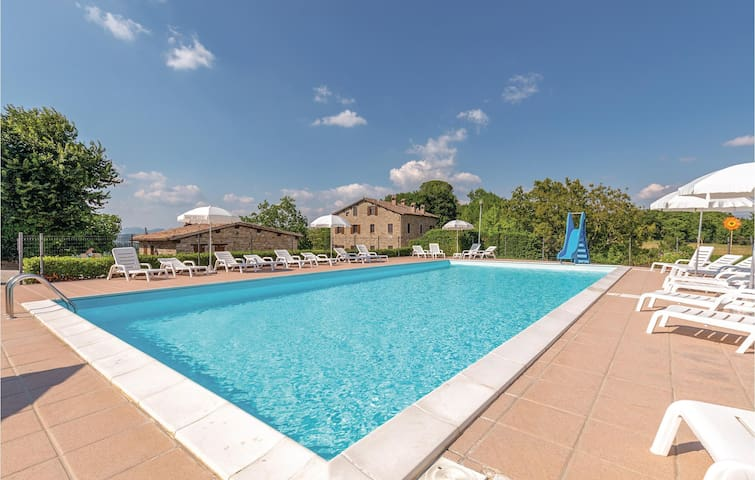 Holiday apartment with 2 bedrooms on 70m² in Gubbio -PG-