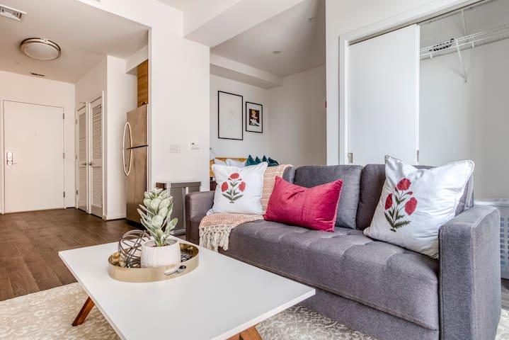 Modern Studio Apartment in McLean