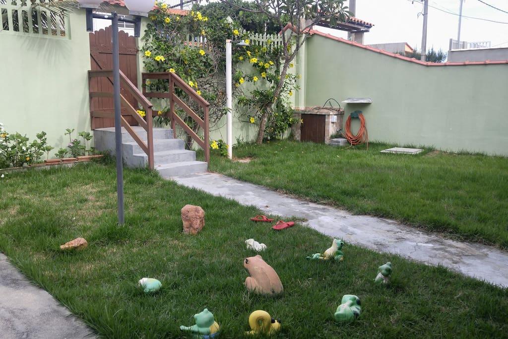 O gramado e seu chuveirão