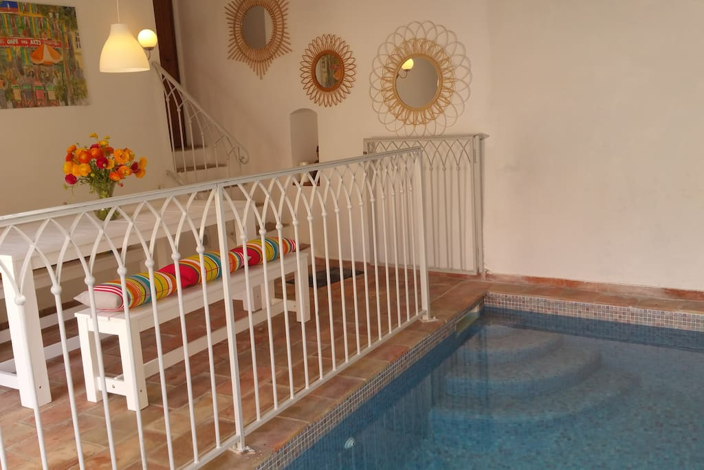 Pool house and its private pool