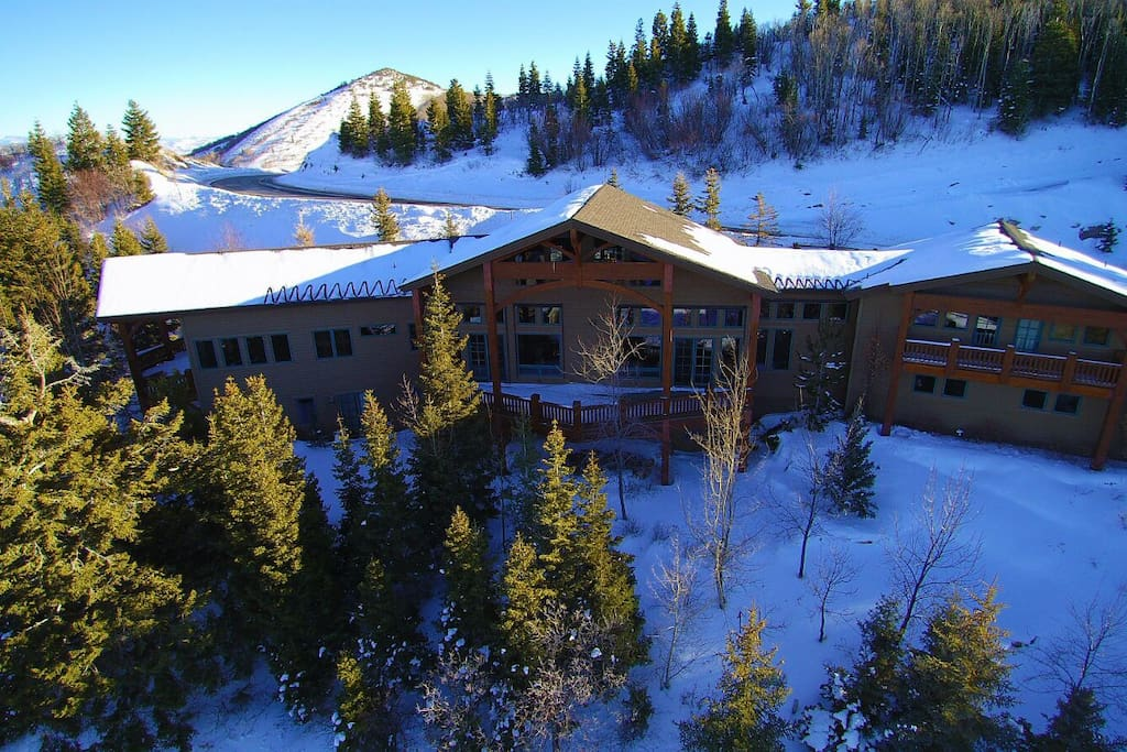 Large Lodge Style Home In Park City Area