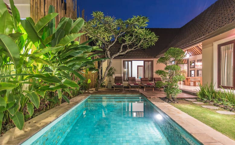 Charming and Cozy 2 br villa in central Seminyak - Kuta - Villa