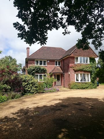 Westlands - Rural near The New Forest & Solent - Hordle - House