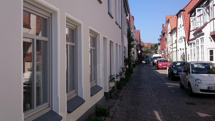 Zentral gelegene Wohnung in der Altstadt - Eckernförde - Appartamento