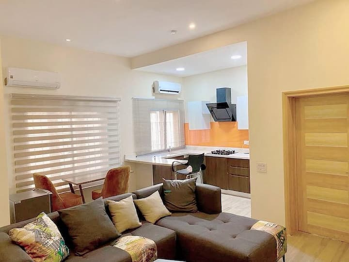 Sleek Apartment Tastefully furnished 1 bed