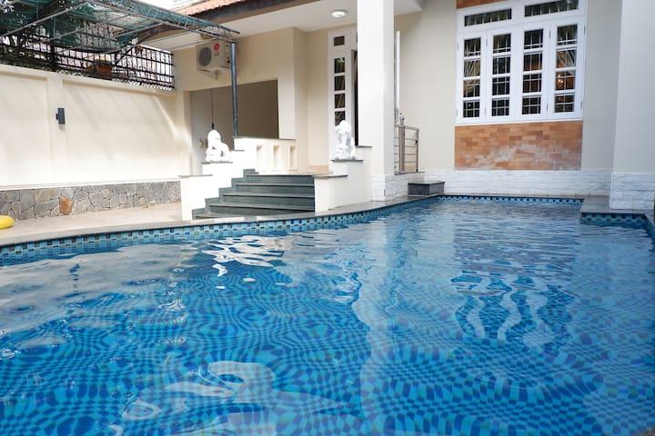 The pool of Vung Tau Ali7B villa
