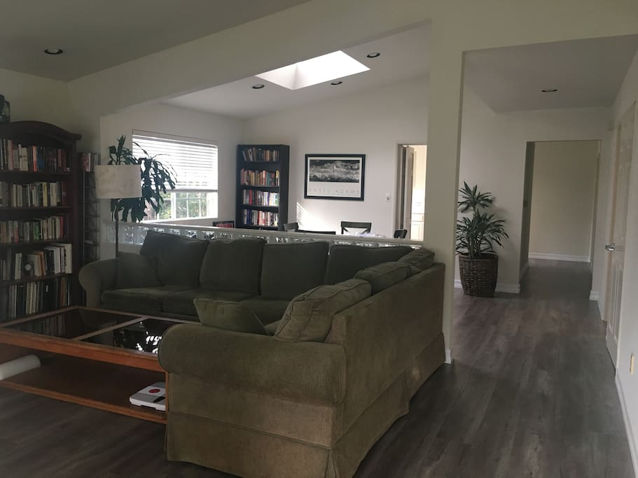 Vaulted bright roomy w/skylights & all new wood laminate flooring--very clean!