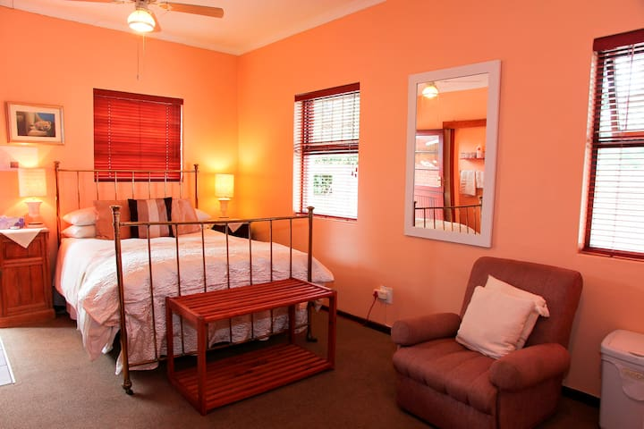Self Catering Unit - George - Bed & Breakfast
