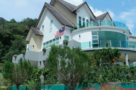 Resort living in Cameron Highlands - Tanah Raya