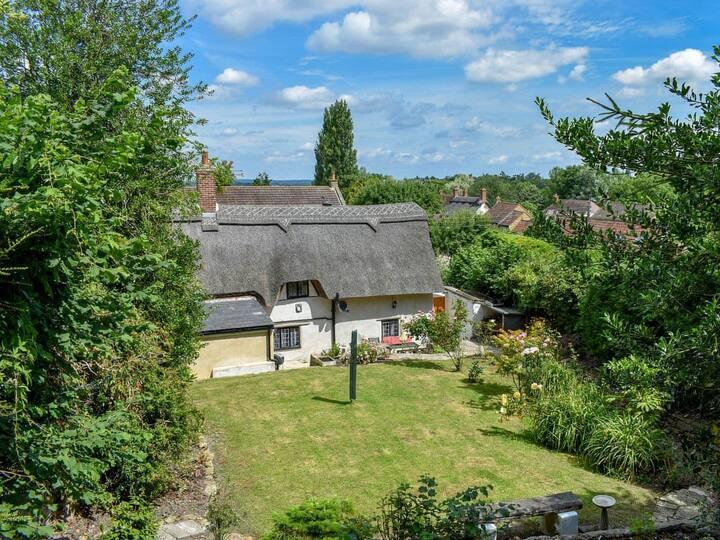 Thatchdown Cottage (UK12316)