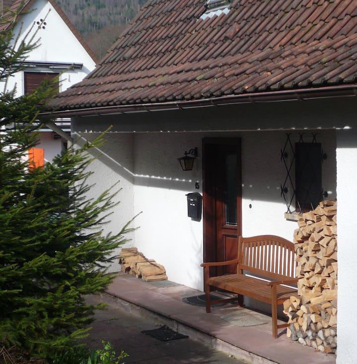 """""""Schwarzwaldhäuschen"""" Bad Herrenalb - im Grünen"""
