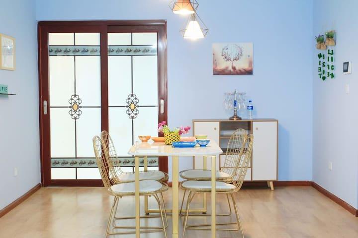 馨河宿.城市色彩三居室