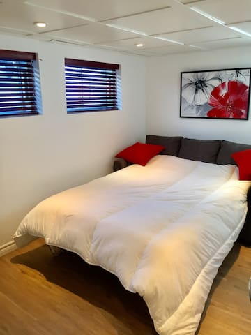 **NEW STUDIO FULLY FURNISHED** - Laval - Ris
