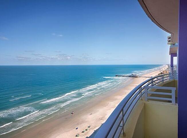 Daytona Beach - 3 bedroom Condo