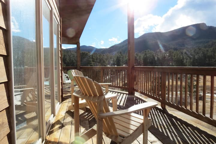 Casa Del Cielo - Gorgeous Views of Twin Sisters, Longs Peak  Lily Mountain! -- EV #3212