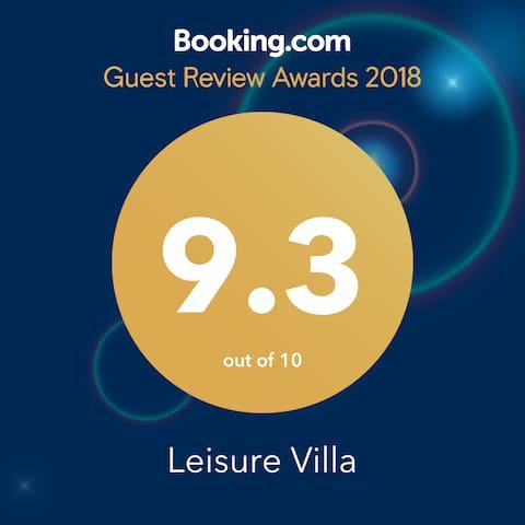 https://www.booking.com/hotel/lk/leisure-villa-boralesgamuwa.en-gb.html