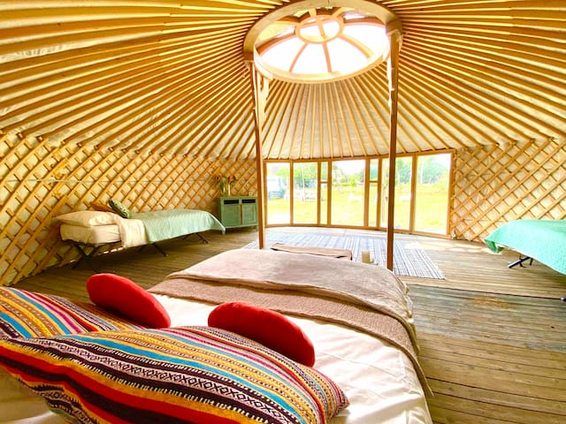 Private Hideaway in nature, Yurt and USA Motorhome