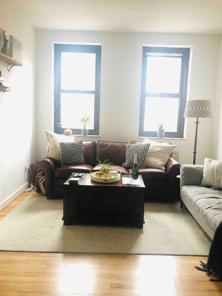 INCREDIBLE, Spacious 1 BDRM in the heart of SOHO.