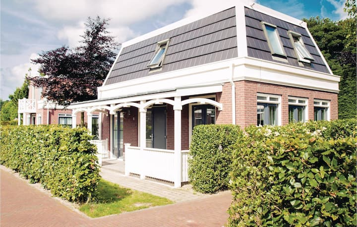 Holiday cottage with 2 bedrooms on 100m² in Noordwijk