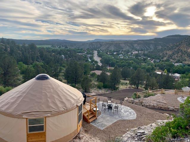 Yurt Overlook at East Zion Resort #8 (King Suite)