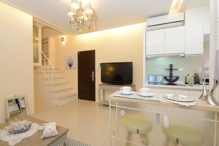 複合式住宅,樓梯上是主臥
