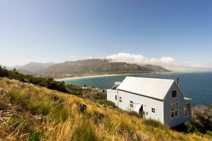 Coast King Cottage -watch whales and great Wifi!