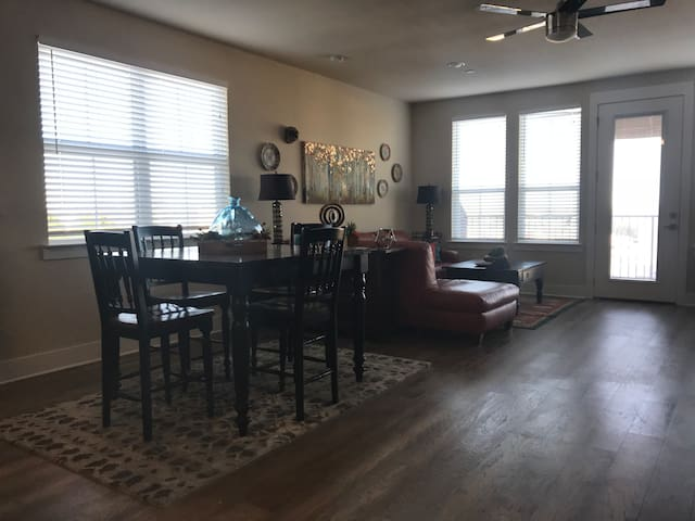 Luxury Condo in Beautiful Downtown Lewisville