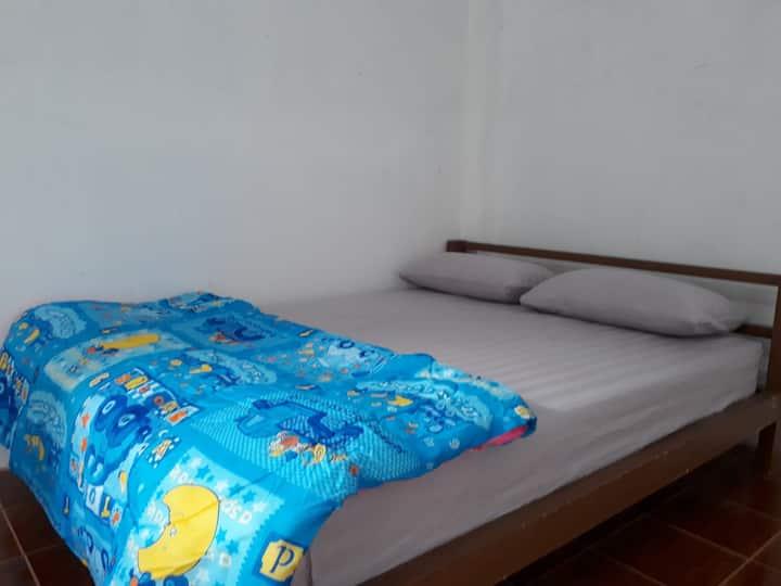 Ba mi Thakhek hostel