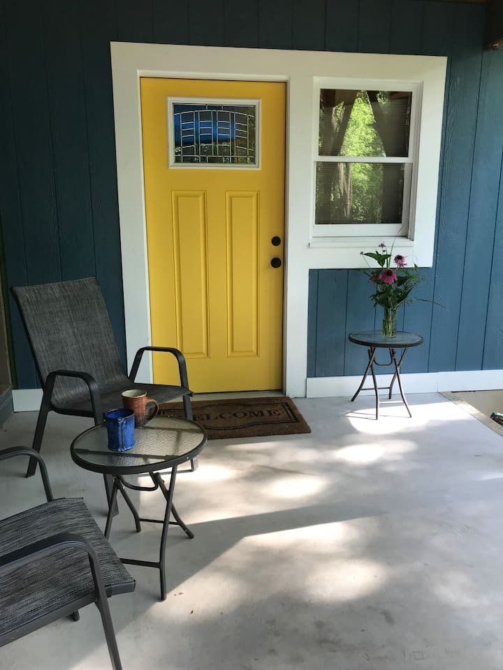 Private entrance with outdoor seating area