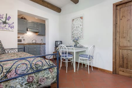 """""""PRATO"""" charming apartment with Pool (Florence)"""
