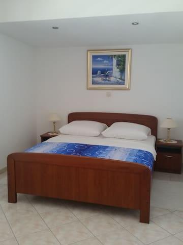 Apartman Dilber A2 - Okrug Gornji - Apartament