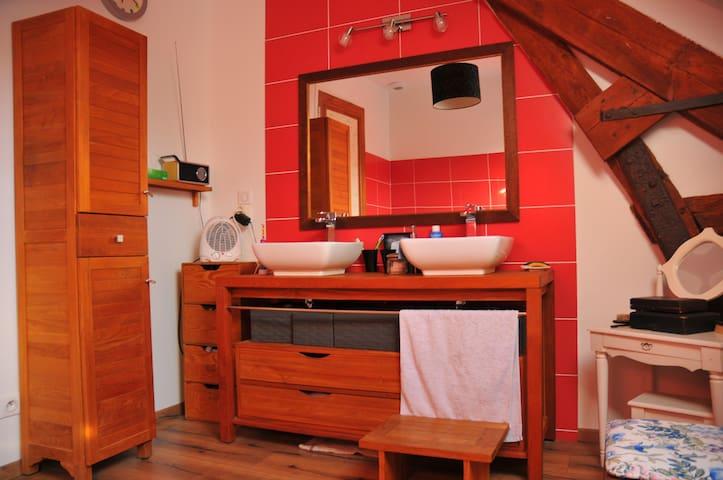 Salle de bain + douche