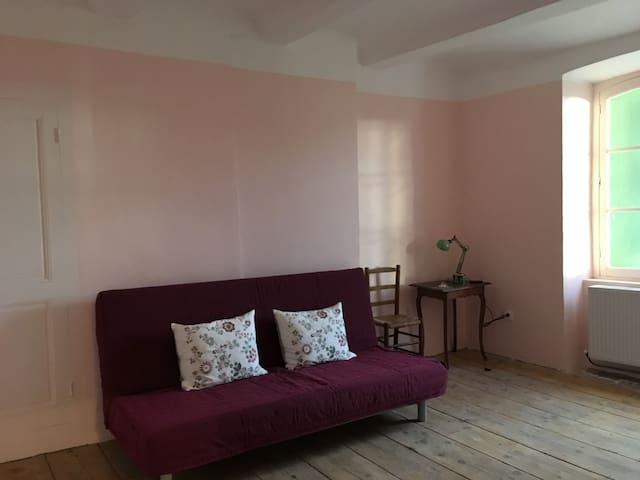 The rose-pink room/La chambre rose/Det rosa værelse