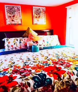 Room CHEAP~ - East Riverdale
