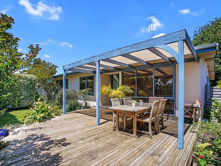 'The shack' comfy beachside home