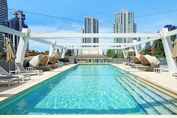 The Beaches Broadbeach Private 2 Bedroom Apartment