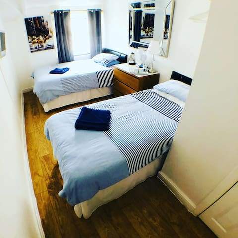Welcoming modern Twin/double   room
