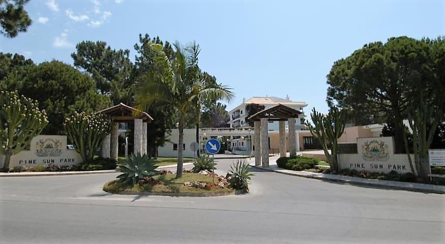 Appartement proche de la PRAIA DE FALESIA