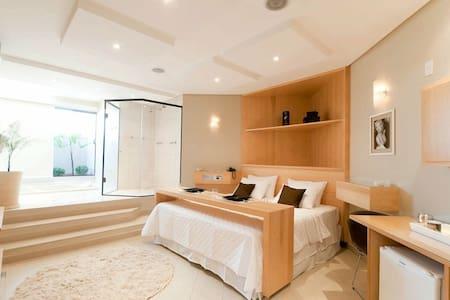 Suites luxo! Completas com hidro - Sorocaba - Bed & Breakfast