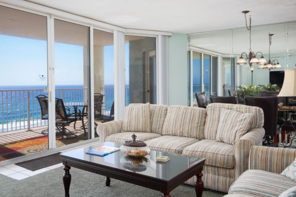 Long Beach 804 was Recently Updated with Bright Fun Paint Colors and Comfy Furnishings