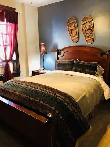 Suite #1 Queen bedroom